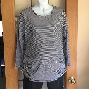 Maternity tee-long sleeved